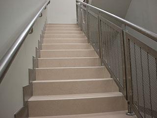 XY-4311 Qatar An Apartment Stairaase